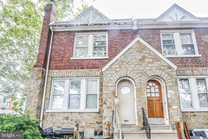 Updated 3-Bedroom House In Tacony