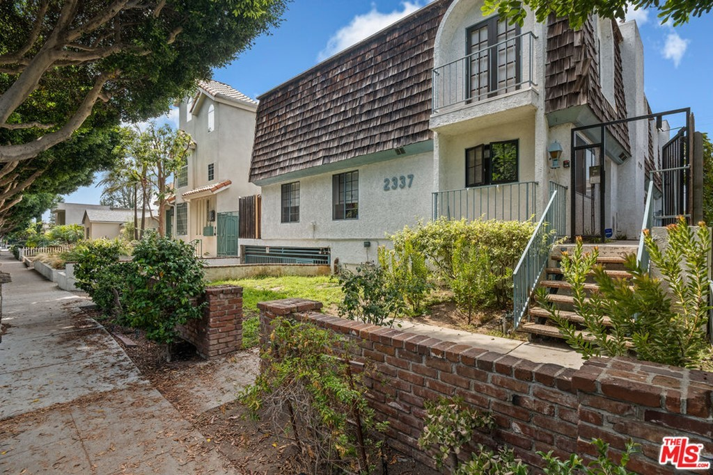 Refinished 3-Bedroom House In Sunset Park