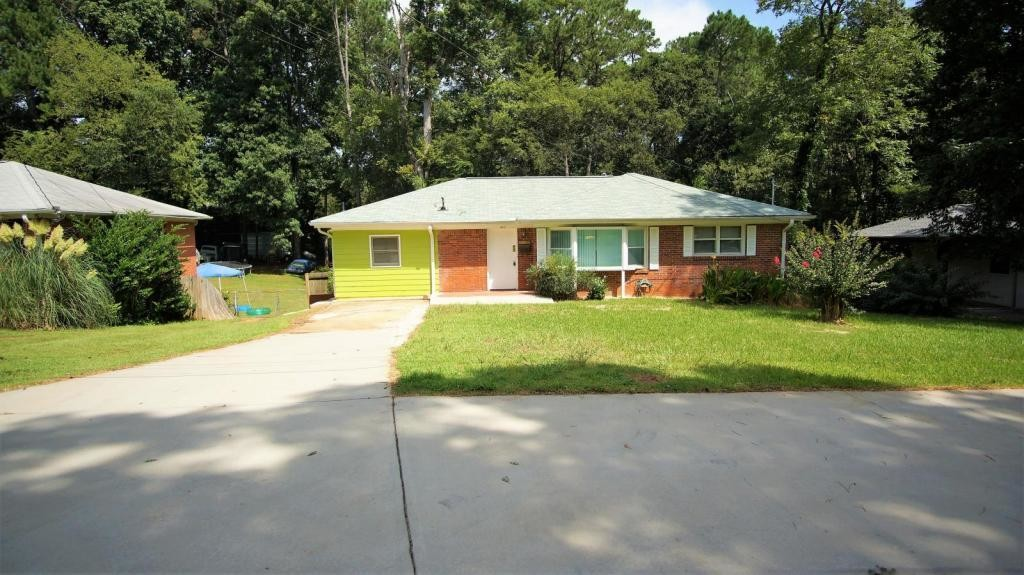 3-Bedroom House In Forest Park