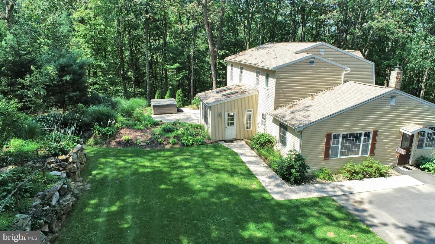 Updated 3-Bedroom House In Shermans Dale