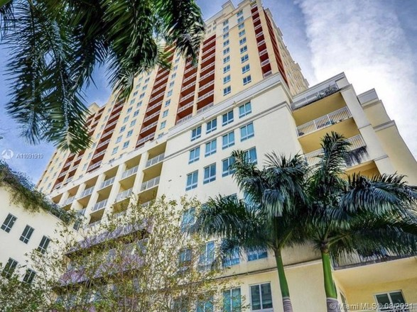 1308 SqFt Townhouse In Dadeland