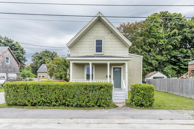 Updated 3-Bedroom House In Ferry Village