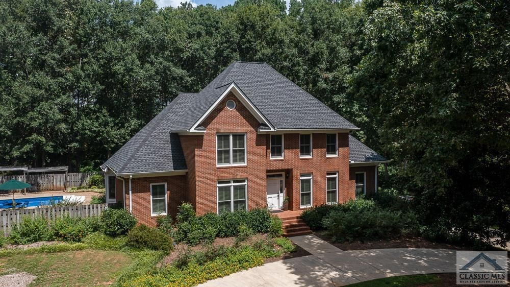 5-Bedroom House In Hodgson S Place
