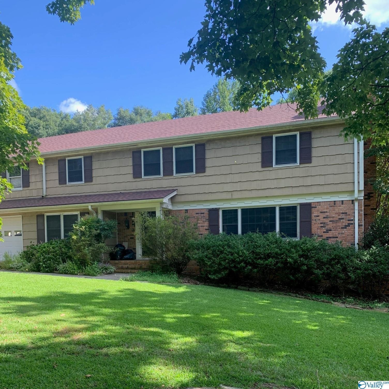 4-Bedroom House In Albertville Country Club