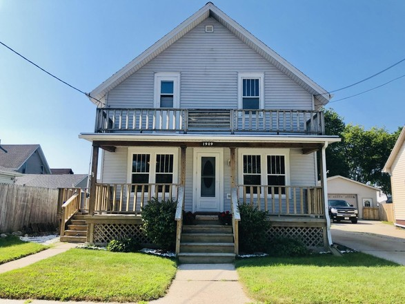 Remodeled 4-Bedroom House In Two Rivers