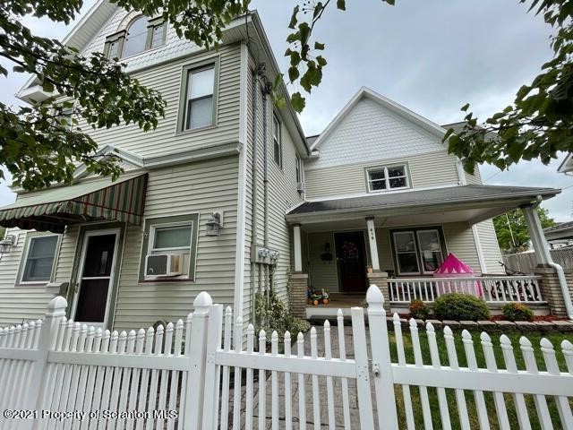 2-Story Multi-Family Home In Mayfield
