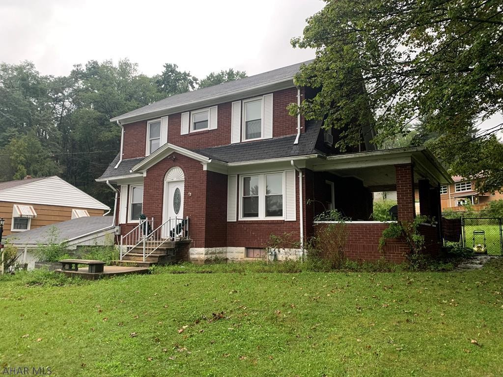Updated 3-Bedroom House In Southmont