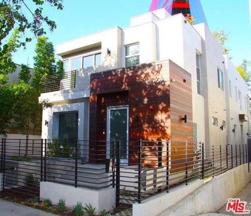 Multi-Family Home In West Hollywood