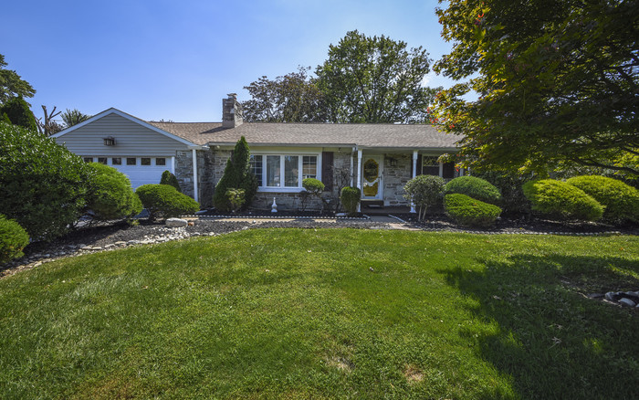 Remodeled 3-Bedroom House In Huntingdon Valley