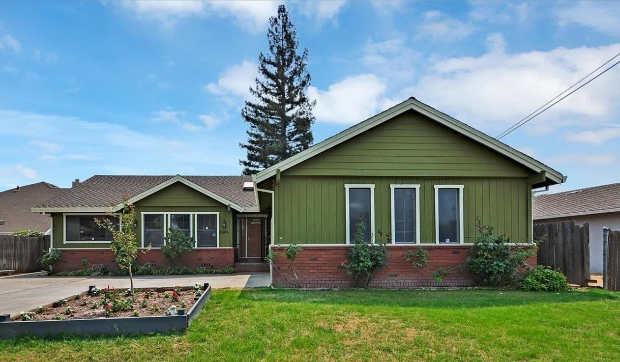 2117 SqFt House In South Land Park