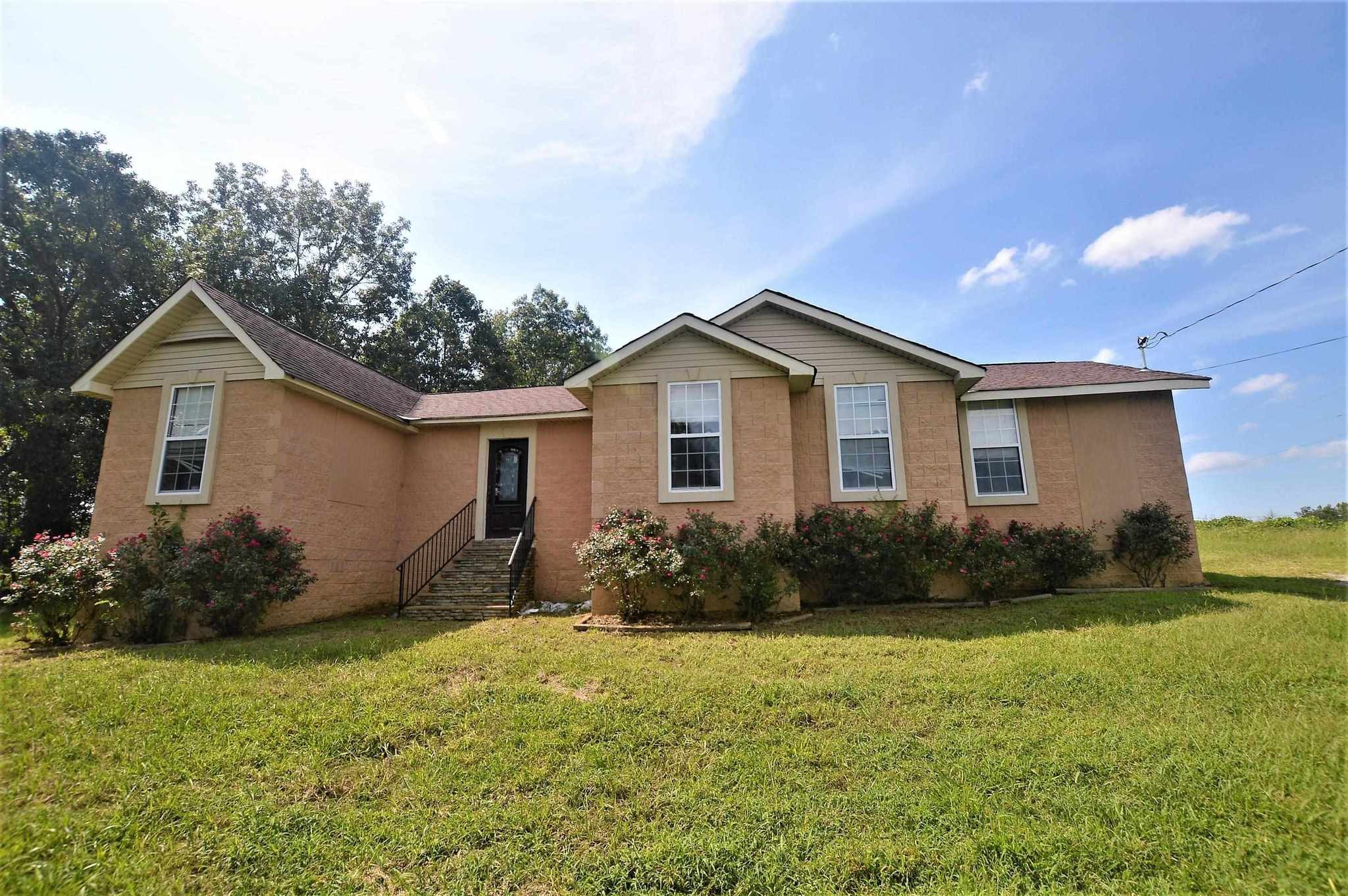 Renovated 3-Bedroom House In Vinemont