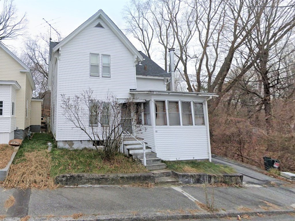 Updated 3-Bedroom House In Centralville