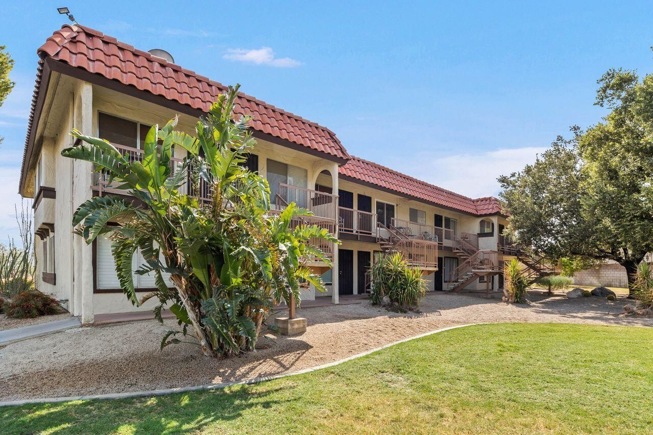 841 SqFt Condo In Mission Lakes Country Club