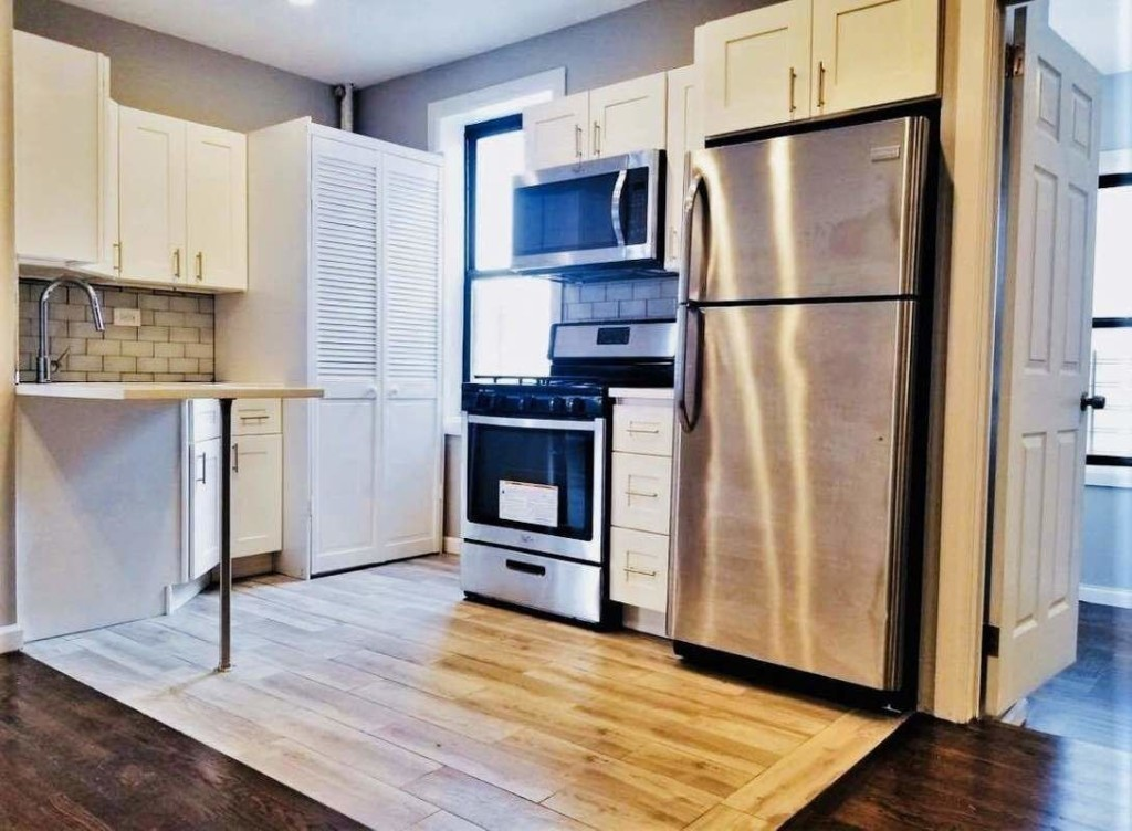 Renovated 3-Bedroom House In Bronx
