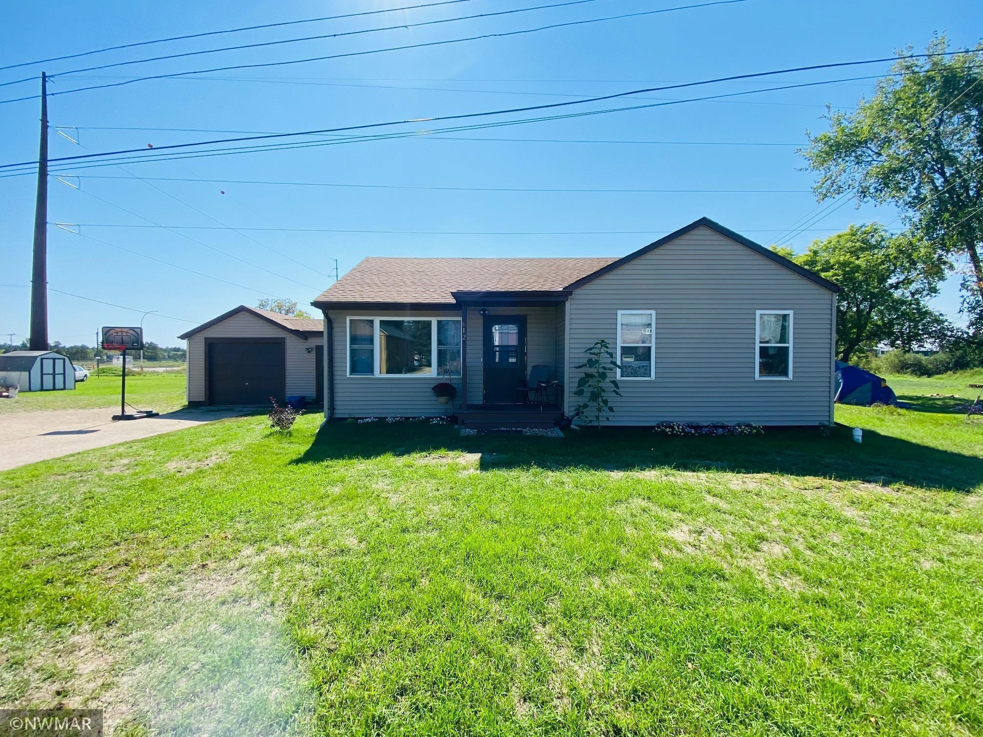 Updated 3-Bedroom House In Cass Lake