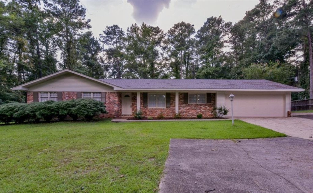 1854 SqFt House In Northport