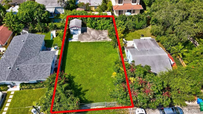 Lot In Southwest Coconut Grove