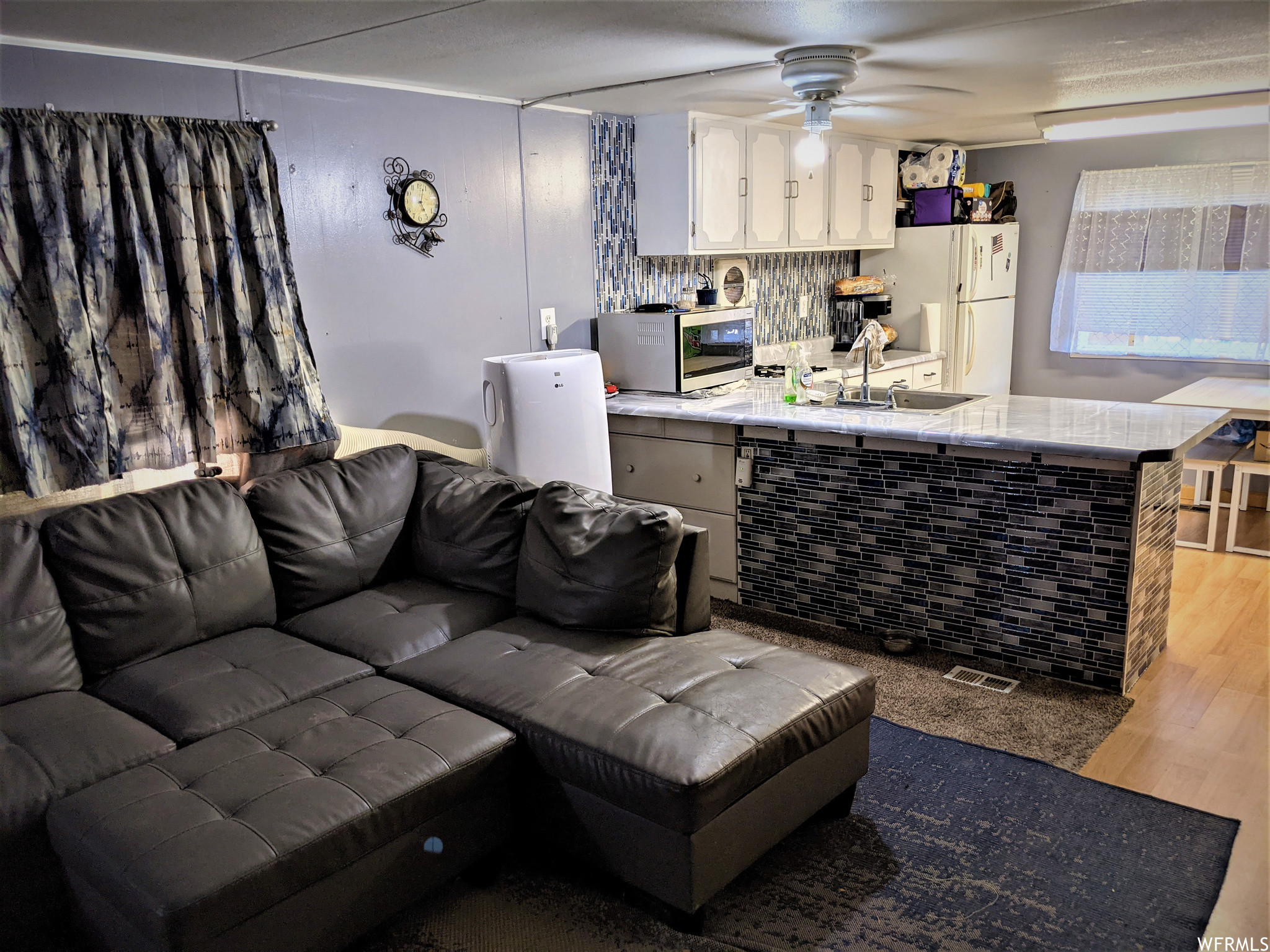 1-Story Mobile Home In Timpview