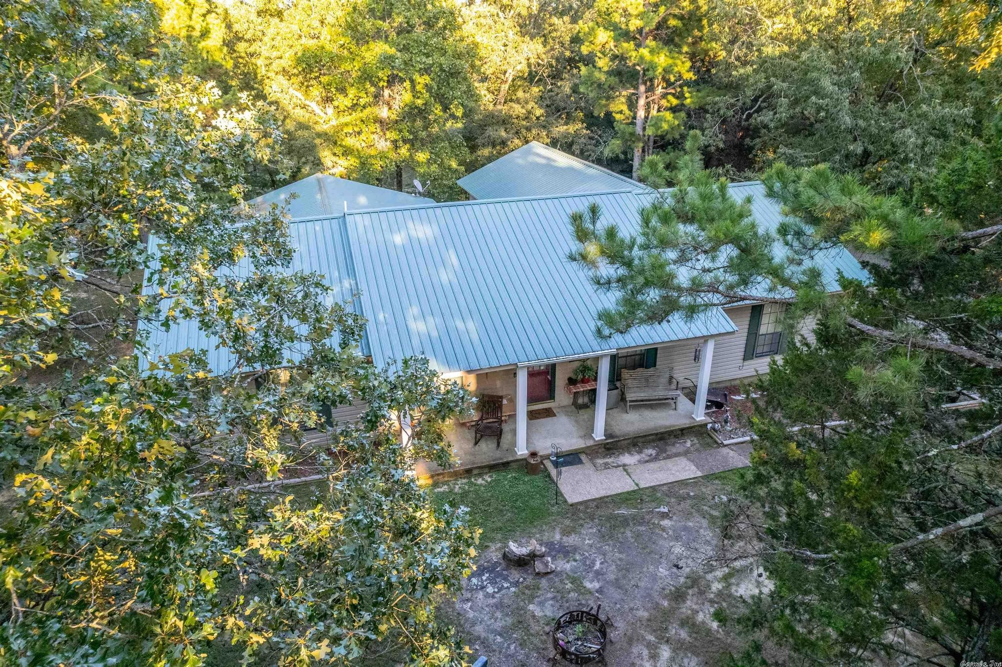 3-Bedroom House In Cave City