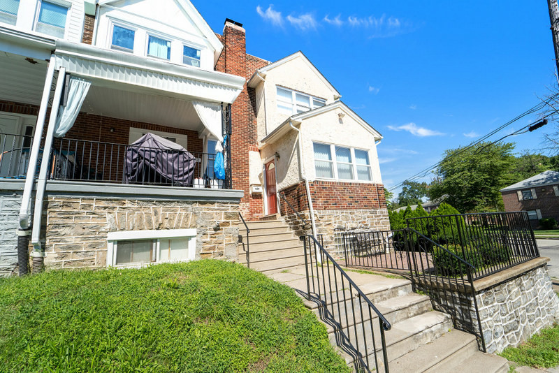 Townhouse In East Mount Airy