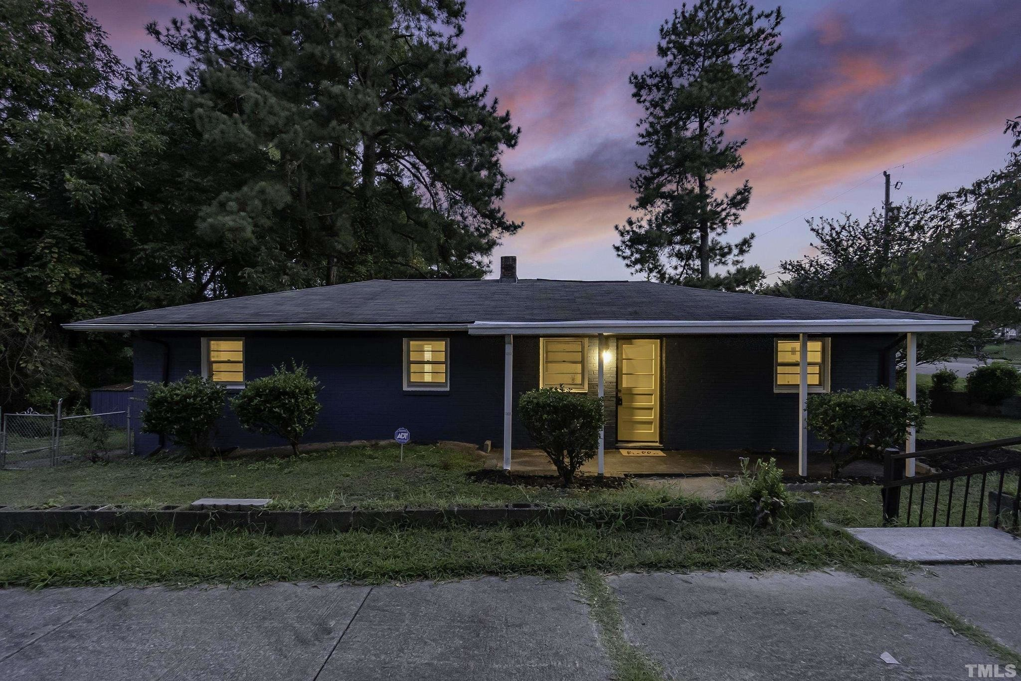 Renovated 4-Bedroom House In Liberty Park