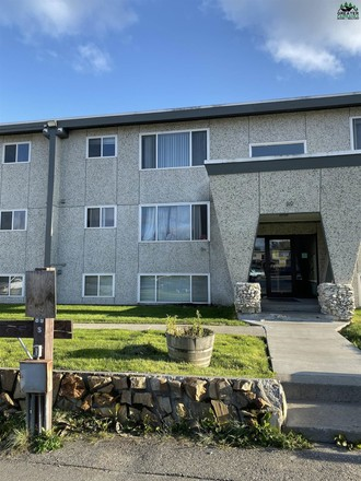 Remodeled 2-Bedroom Condo In Island Homes