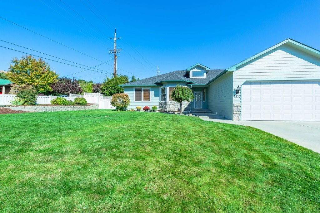 2147 SqFt House In Brooke Canyon