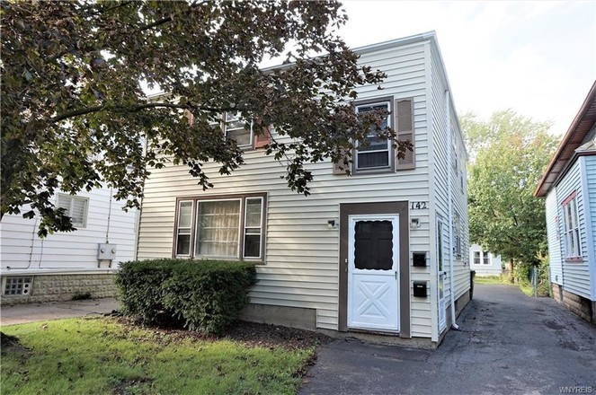 Multi-Family Home In Kenmore