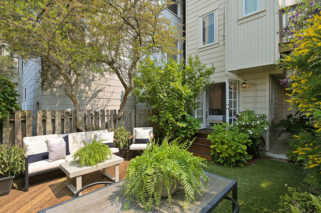 Renovated 3-Bedroom House In Ashbury Heights