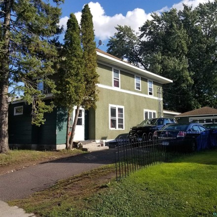 2-Story Multi-Family Home In Woodlawn