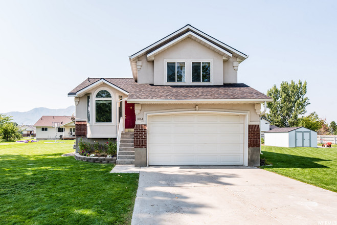 3-Story House In Hyrum