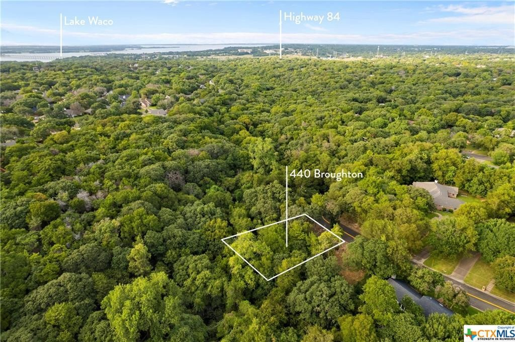 Lot In Woodway