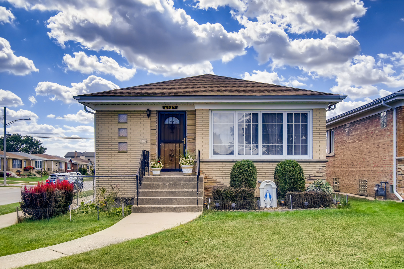 1110 SqFt House In Harwood Heights