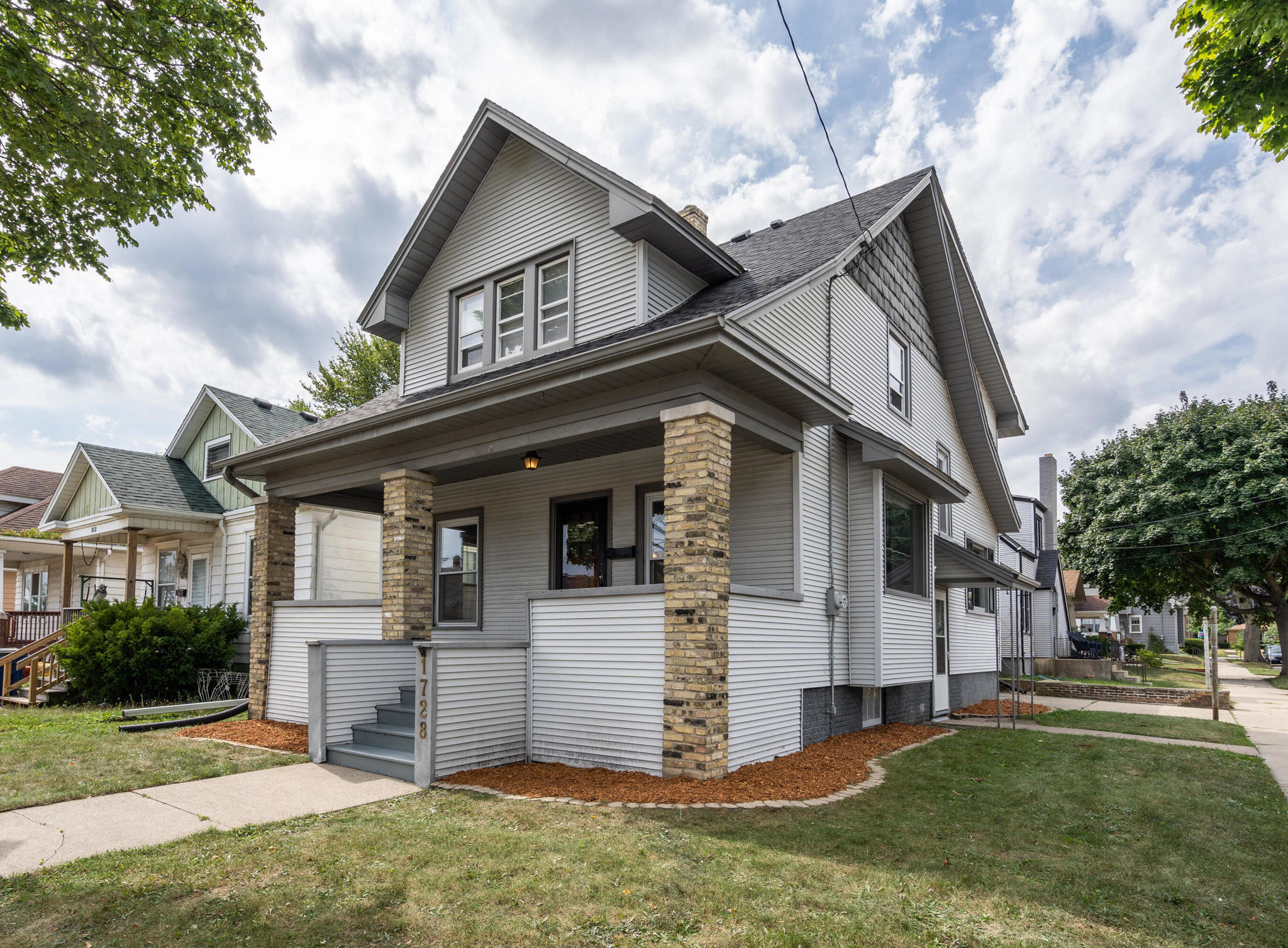 3-Bedroom House In The 19Th Ward