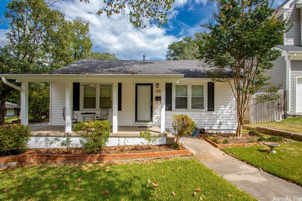 Updated 3-Bedroom House In Park View