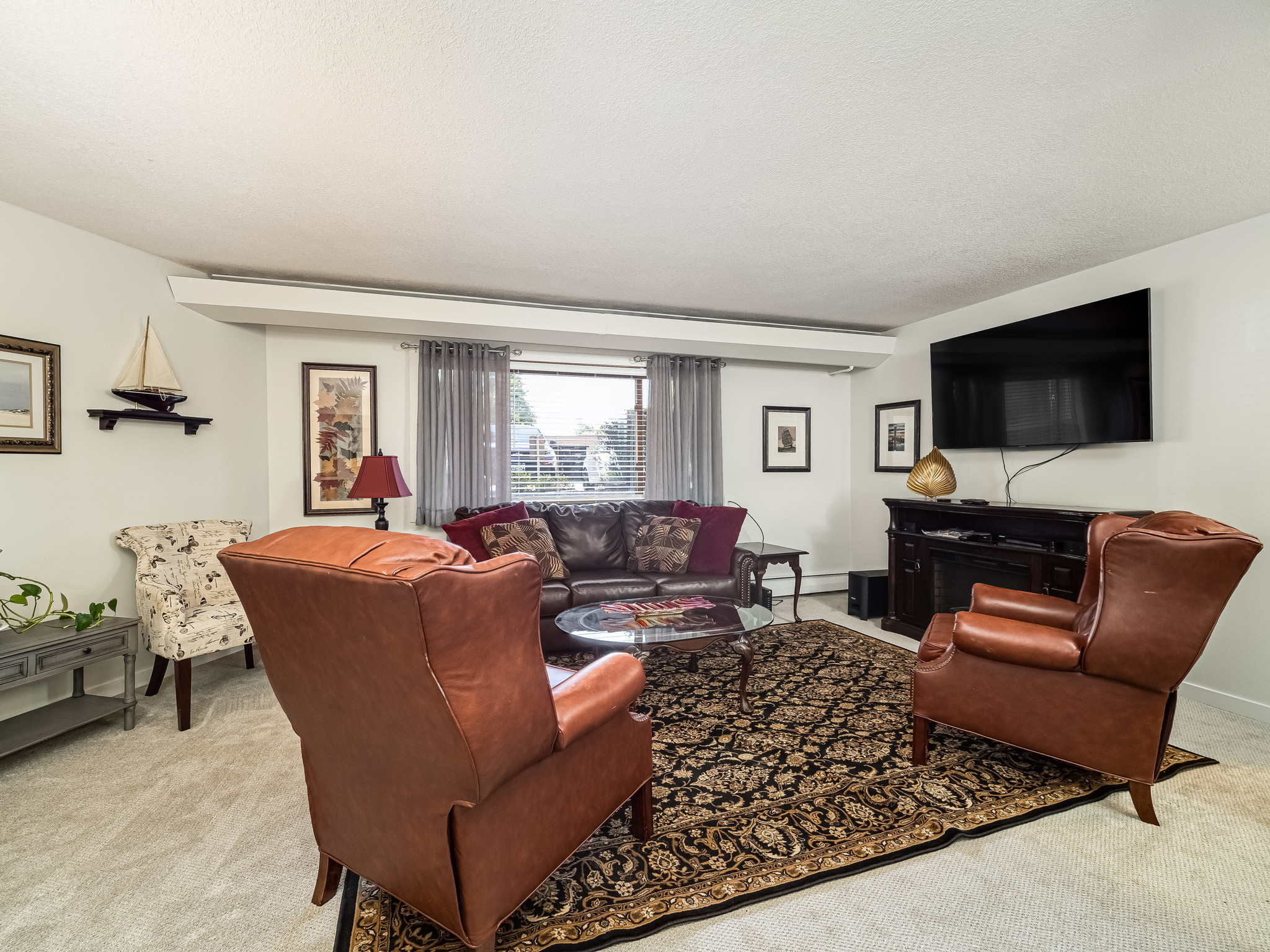 Remodeled 2-Bedroom Condo In Mound