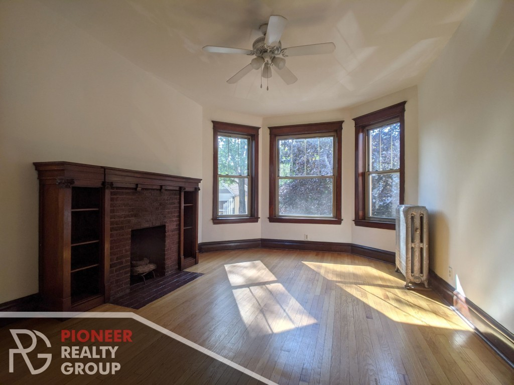 Updated 3-Bedroom House In Logan Square