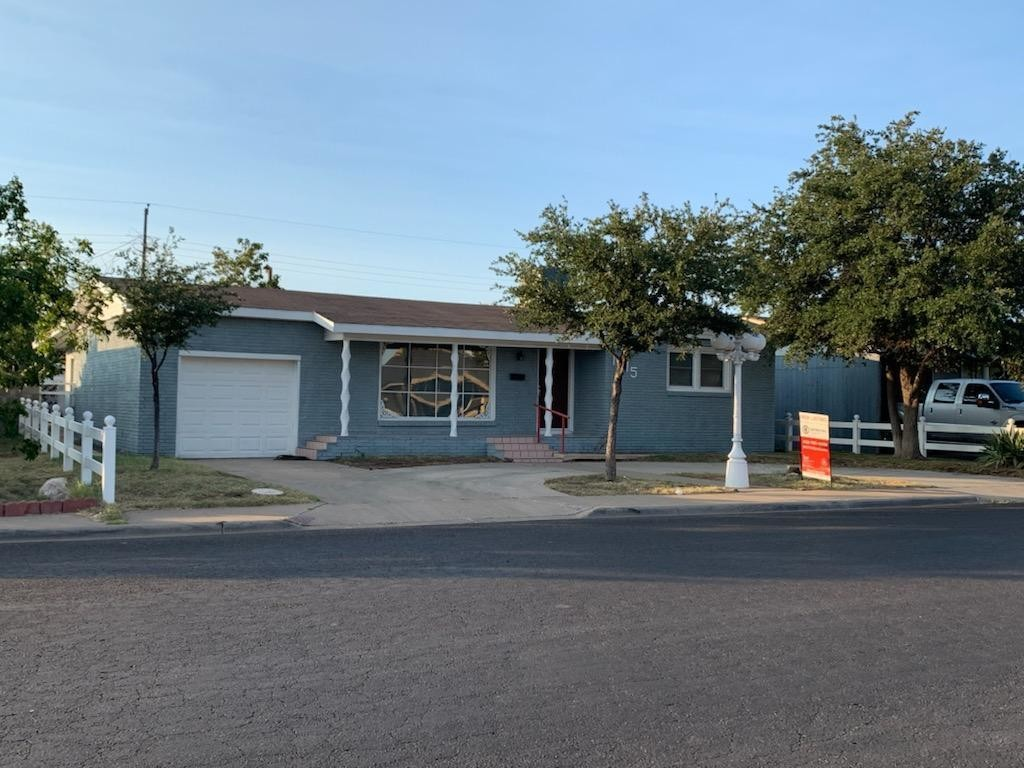 Updated 3-Bedroom House In Crescent Park