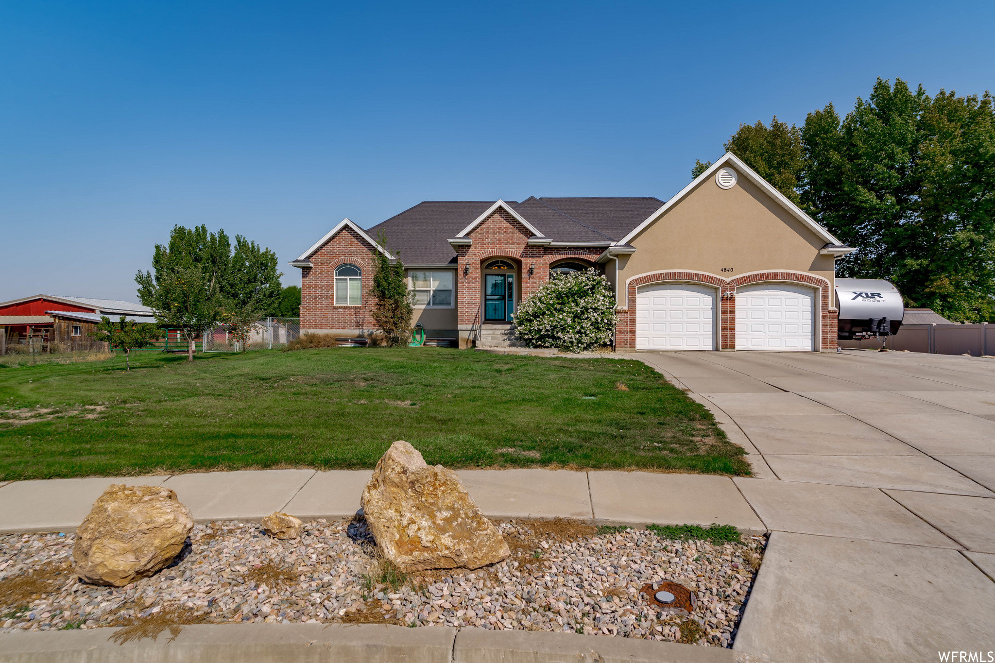 Updated 5-Bedroom House In Plain City