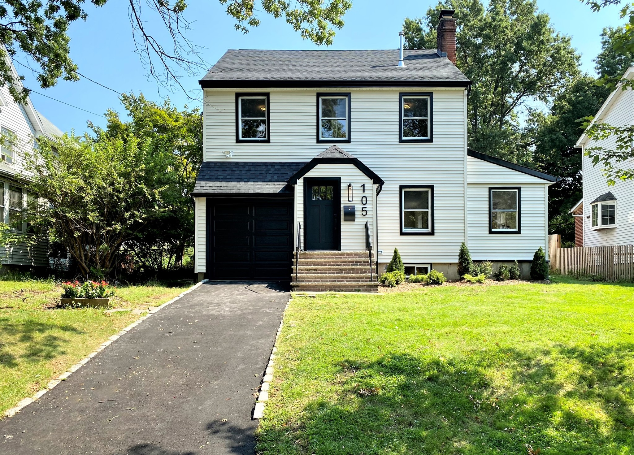 Renovated 3-Bedroom House In Verona North Side