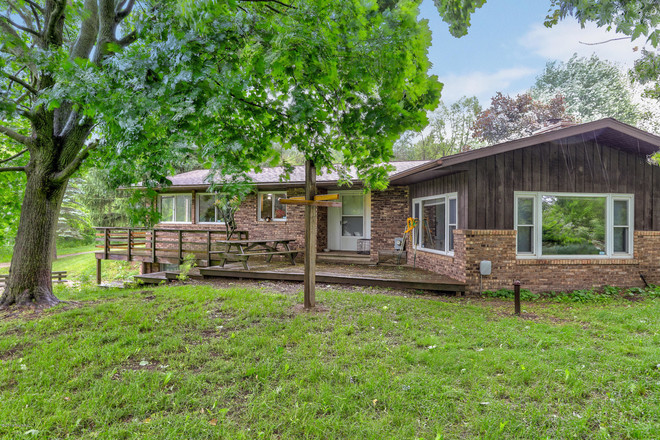 Remodeled 5-Bedroom House In Dowagiac