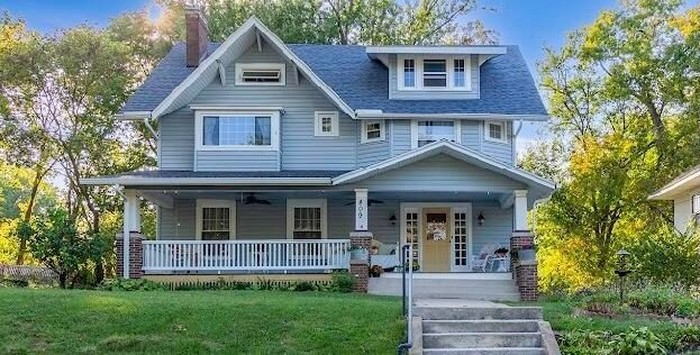 Updated 4-Bedroom House In Woodlawn Place
