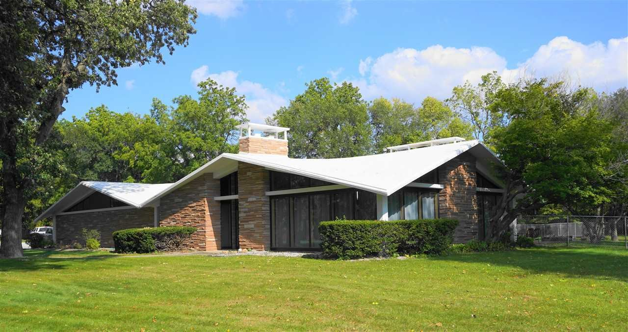 4954 SqFt House In Independence