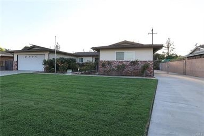 Updated 4-Bedroom House In Chino
