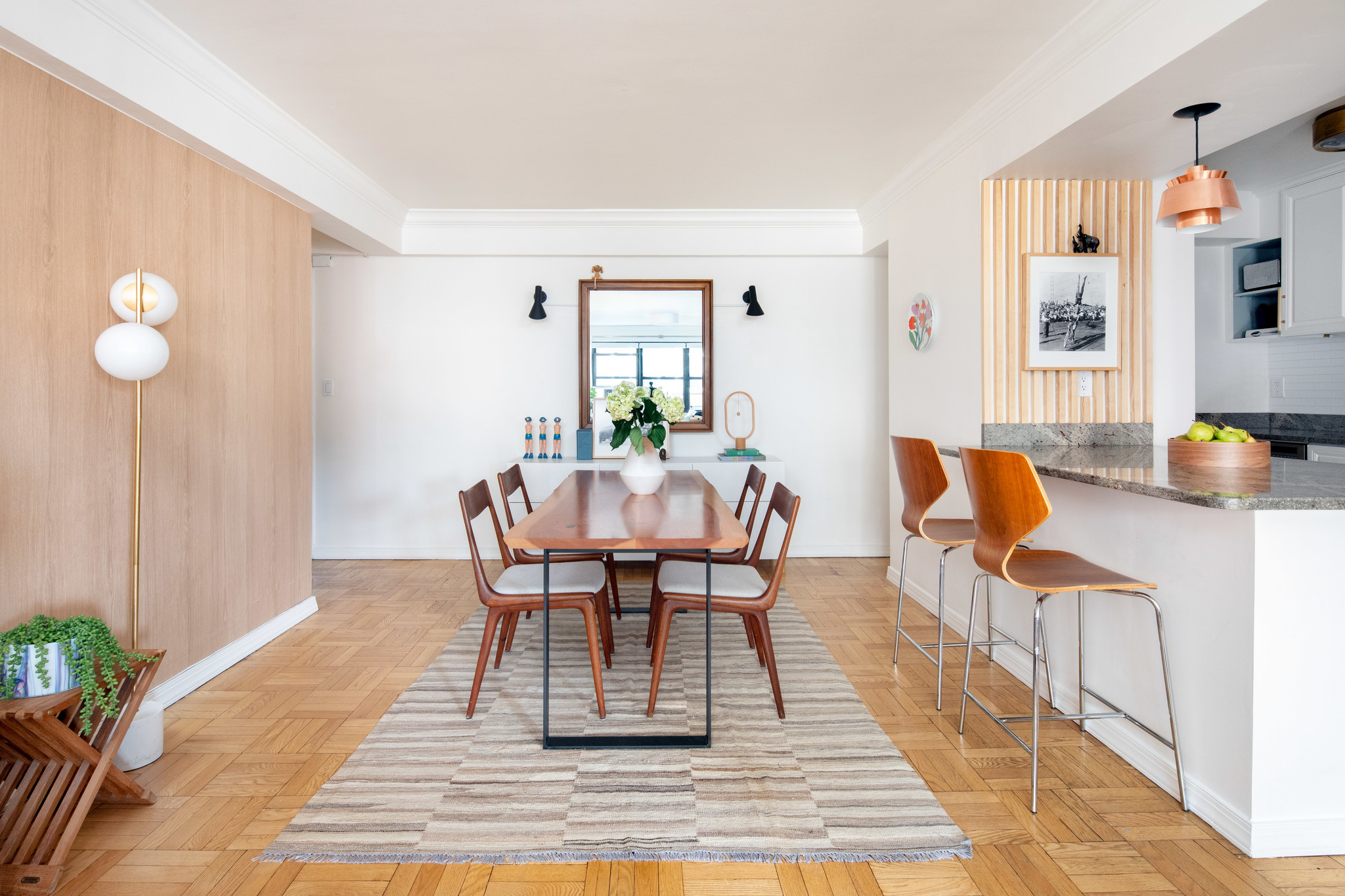 Updated 2-Bedroom House In Union Square