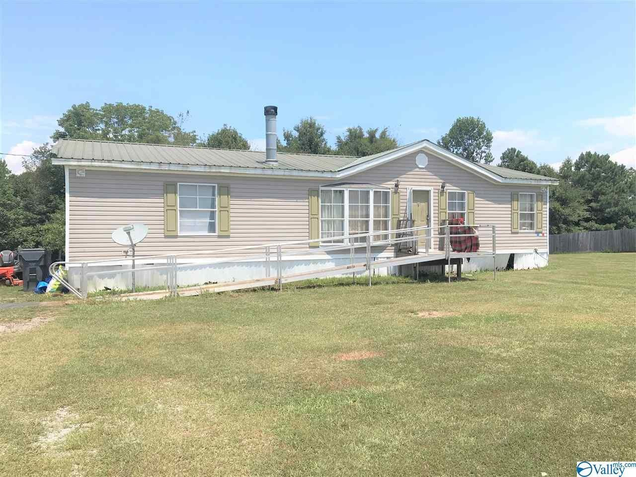 1568 SqFt Mobile Home In Hill Top View