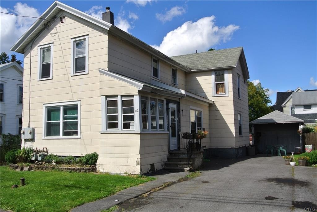 Multi-Family Home In East Syracuse