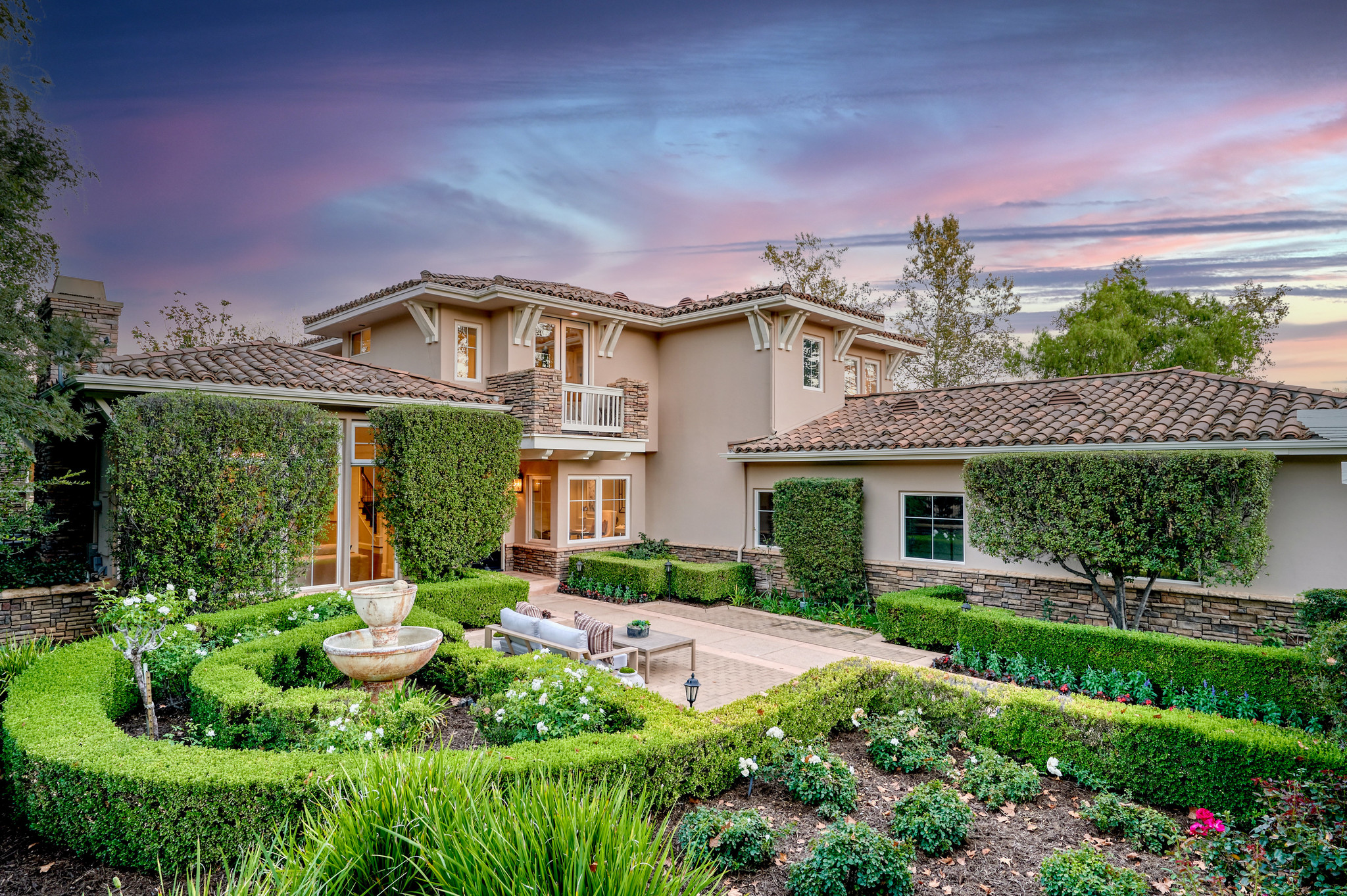 Renovated 5-Bedroom House In North Ranch