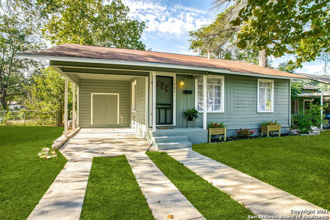 1139 SqFt House In Aviation Heights