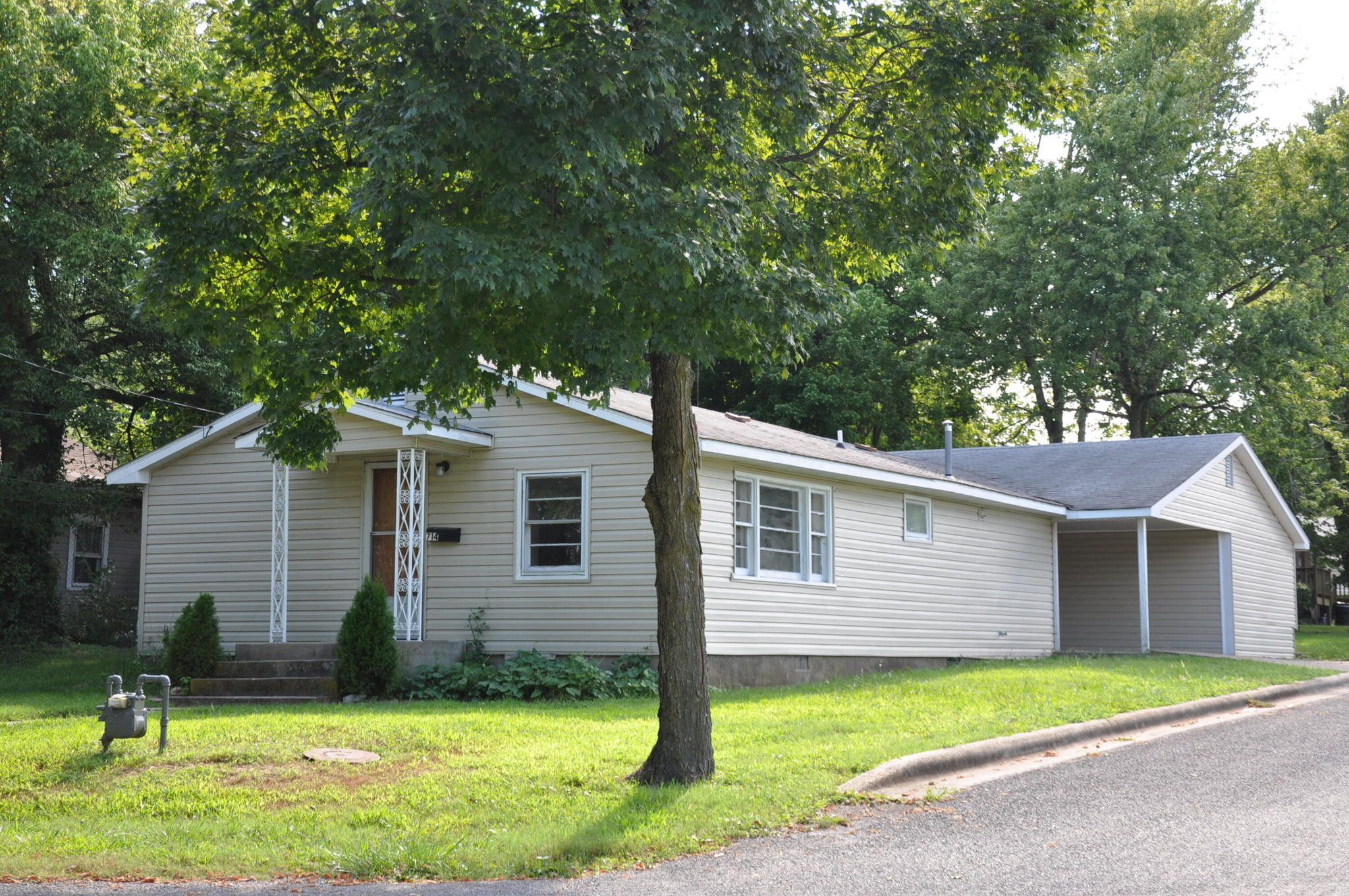 1-Story House In Berryville